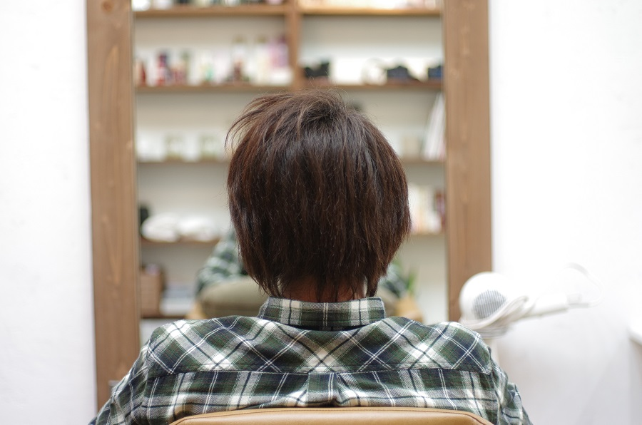 イルミナカラーで白髪は染まるのか?メンズモデルを染めてみた。