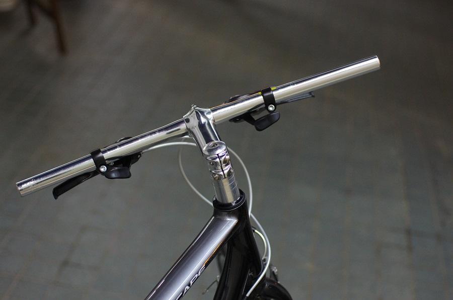 自転車のハンドルを変えてみた。ほっしーが。