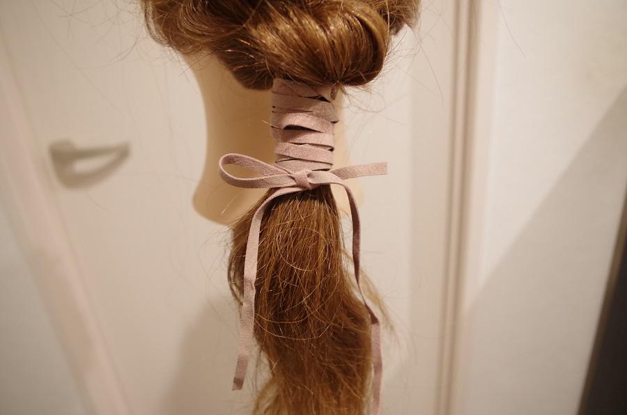 流行りのチョーカーでヘアアレンジしてみました。