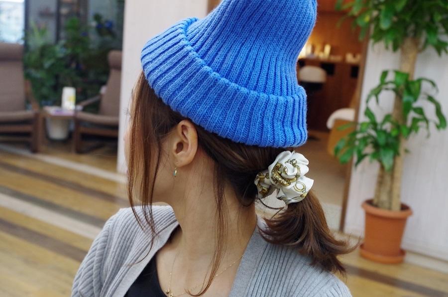 帽子にも後れ毛で女子力UP♪