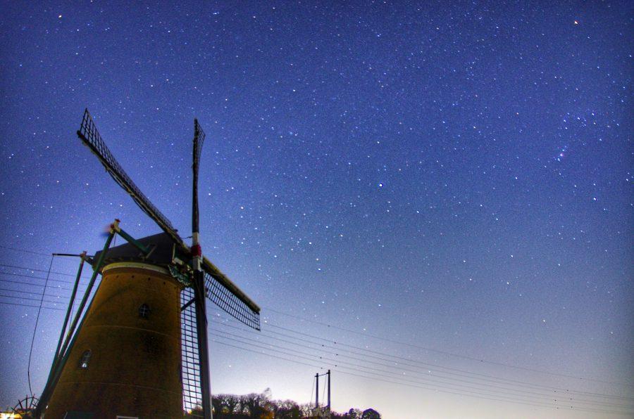 3月のお休みと風車と星空。