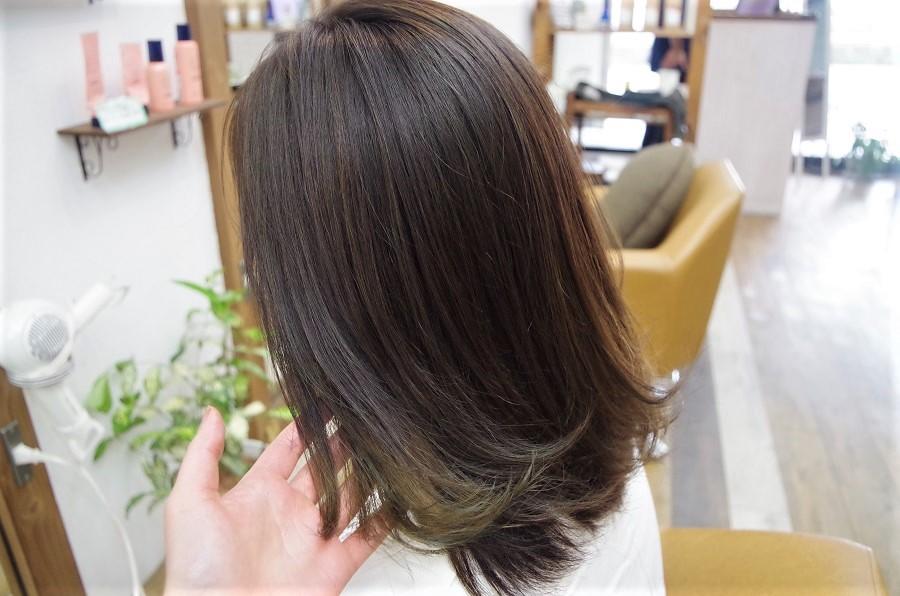 お仕事で髪が明るく出来ない方におすすめ。
