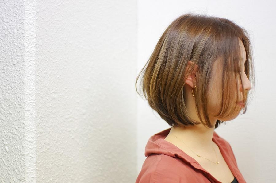 髪が伸びてきたので、西田さんにカットしていただきました。