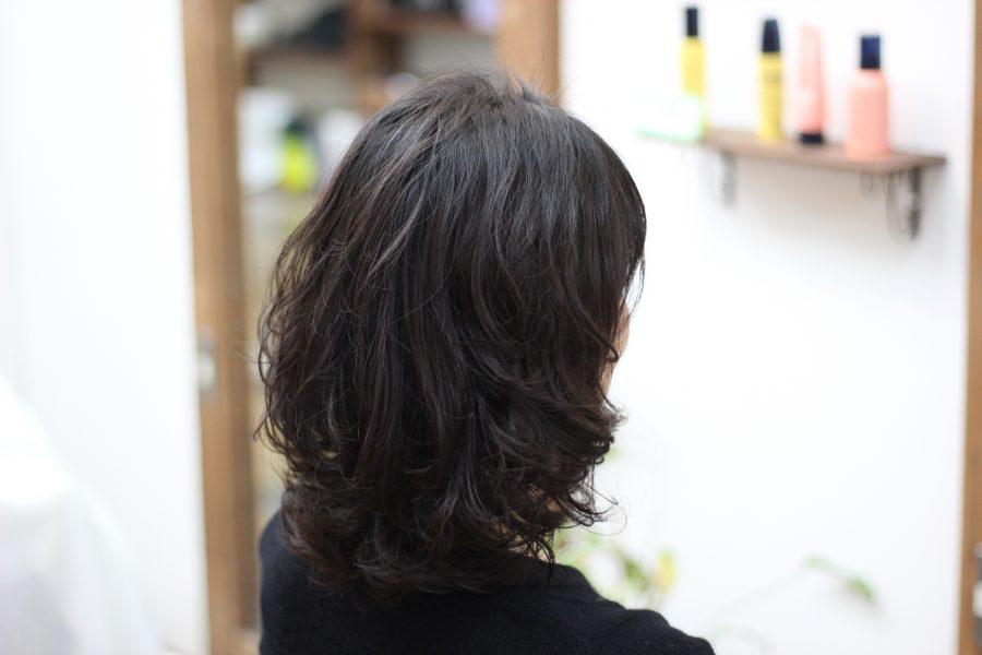 乾かすだけの簡単フワフワパーマで柔らかい髪にボリューム