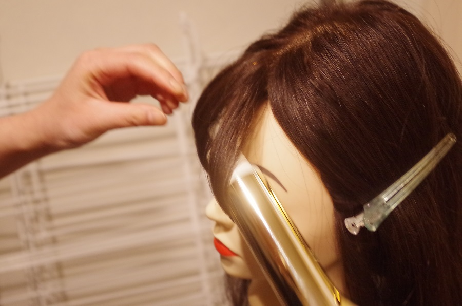 前髪の巻き方。~コテで前髪がうまく巻けない方編~